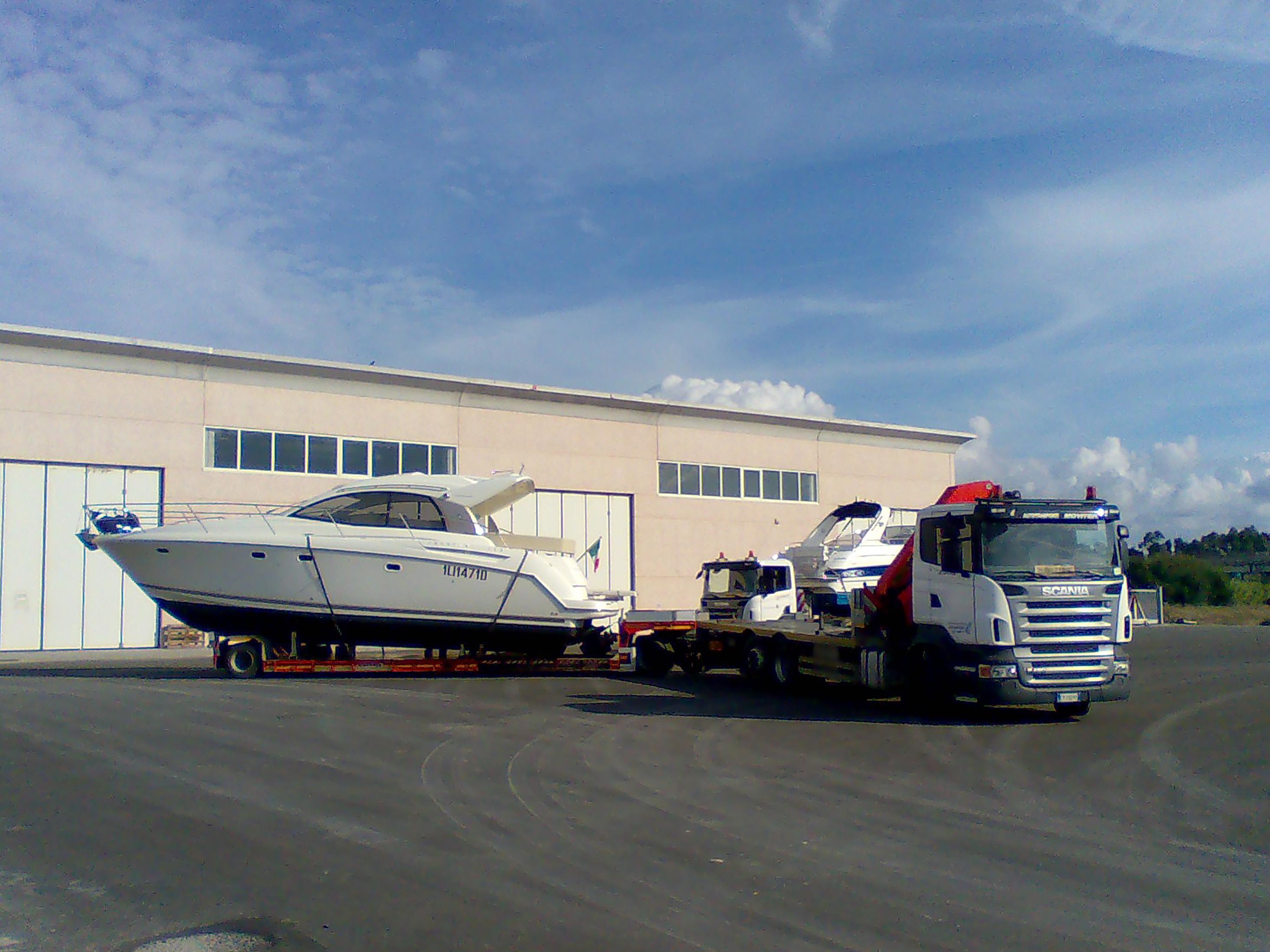 MOVITER è Trasporto Barche in Toscana. Trasporto Barche a Vela, Barche a Motore, Gommoni.